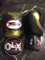 pro. boxing gloves twins hand made in thailand (new one)