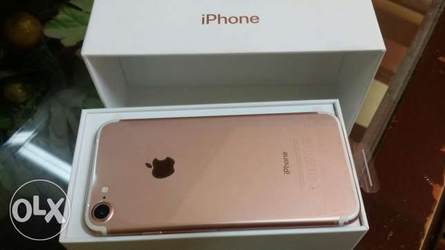 Iphone 7 rose gold للقطه 128 g