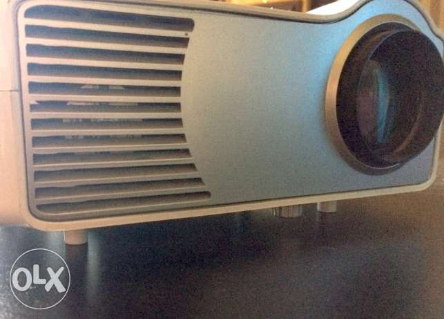 LED-2 Projector Mint Condition | بروجكتور