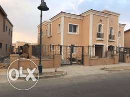 compound Mivida Emaar separate villa ready to delivery