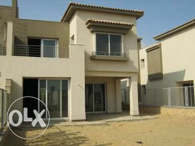 Corner town house for sale in Bamboo Extension prime location