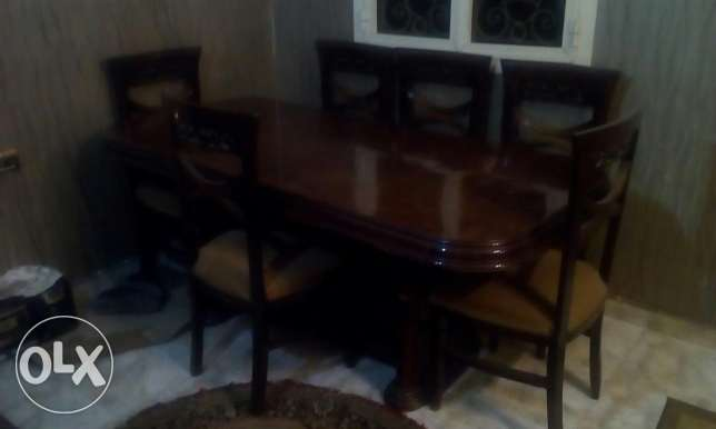 Dining table & 6 chairs & Niche