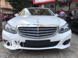 2014 mercedes E200 white mint condition