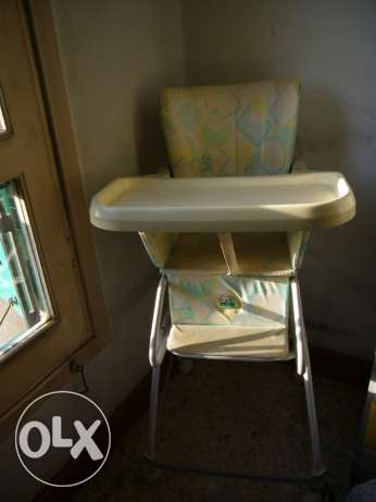 High chair for feeding babies,down part can be used as baby walker