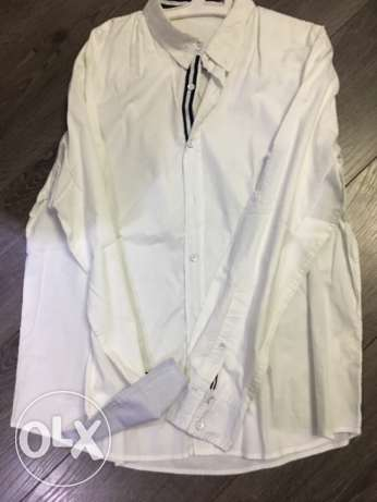 shirt ravin white like new size XL