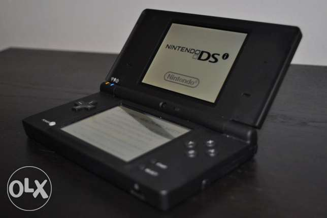Nintendo DSi with R4 Card 4 G.B