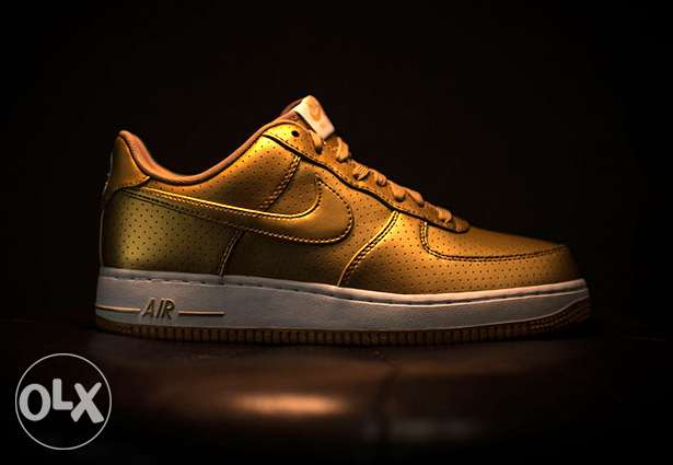 """Nike Air Force 1 Low """"Dream Team"""". Color: Metallic Gold Size:41 eur"""