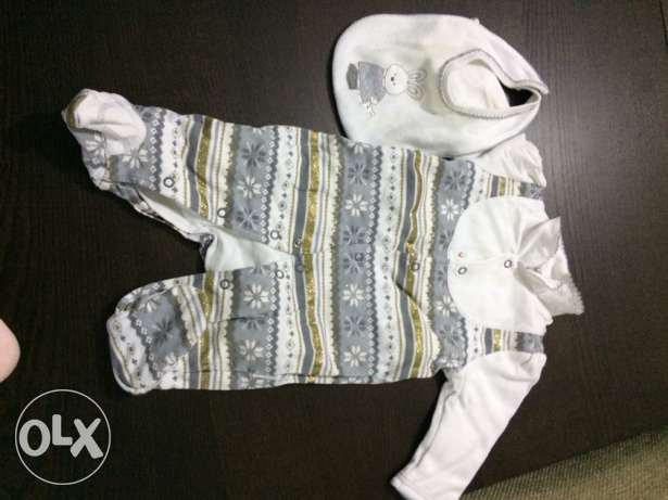 Christmas outfit. baby 3-6 months. شيراتون -  1