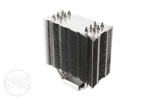 للبيع مشتت Thermalright Venomous-X + مروحتين 1366 Zalman LGA 775 115x