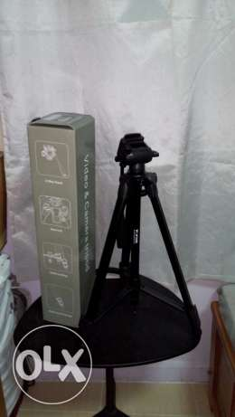 Professional tripod for photography and video