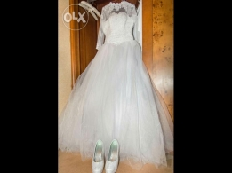 Wedding Dress with veil for rent