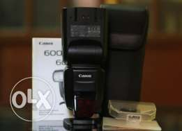 Flash canon 600 EX-RT like new