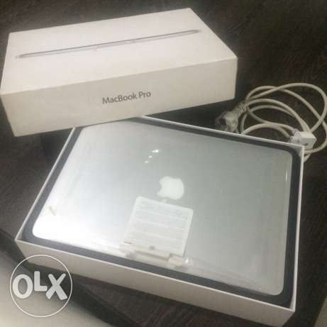 MacBook Pro ( Retina,13-inch,4GB Ram) with Box and all acc
