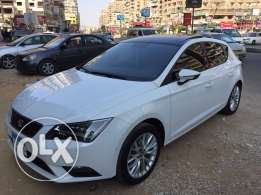 Leon 2016 white metallic fabrica inside and outside high line all option