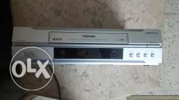 Video player toshiba + video rewinder VHS
