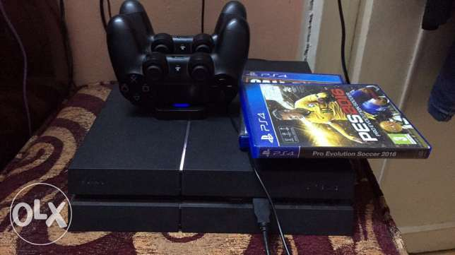 ps4 with 2 controller