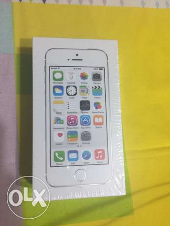 iPhone 5s 16GB silver new from USA مصر الجديدة -  1