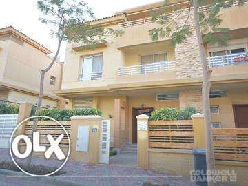 Twin-house located in 6 October for rent 250 m2, Jeera