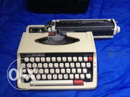Brother Deluxe 850TR typewriter