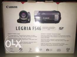 Canon Legria FS46 Kit. Digital Video Camcorder.