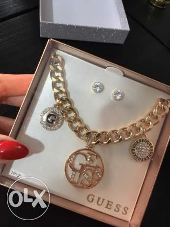 Guess Gift Set ( necklace and earrings)