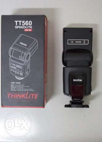 Flash GODOX tt560 like new used 4 times without batteries