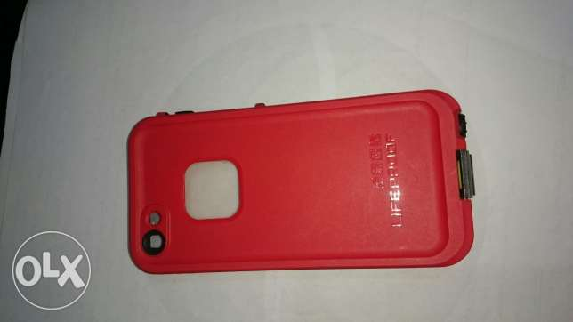 iPhone 5/5s LIFEPROOF Cover. حلوان -  8