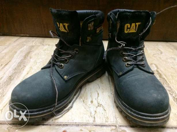 "safety shoes caterpillar جزمة سيفتي ""Cat"""