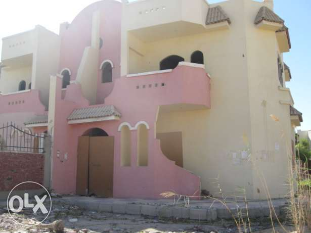 Half villa in Mubarak 6, Land 270 sqm, two floors