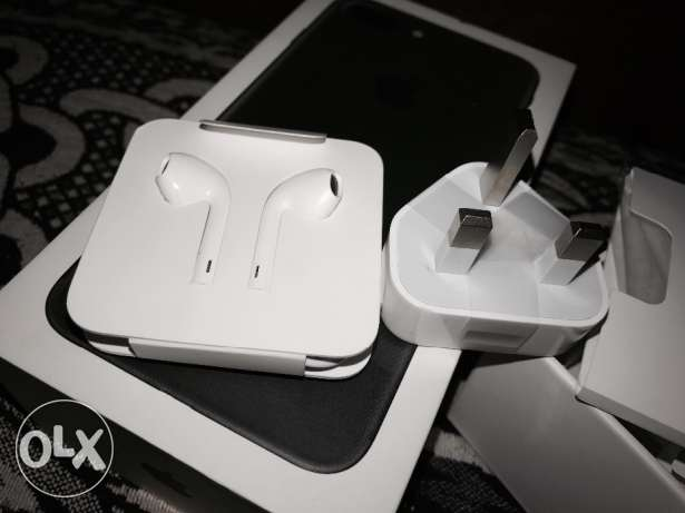 Charger Adapter And Headphone