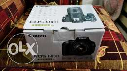 Canon 600d very good condetion with box