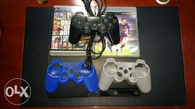 ps3 with one controller and 2 covers+ fifa 16 arabic+gta 5v