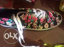 only for 100 EGP size 37 for her
