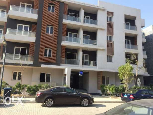 Ground Apartment for sale in Zayed Complex prime location 186 sqm