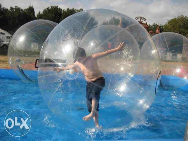 babble ball walk in water
