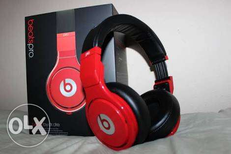 Beats pro (black in red) in good condition