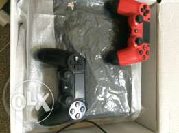 ps4 + 2 controllers + cd