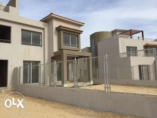 (Twin House for sale in Palm Hills (the golf 6 أكتوبر -  1