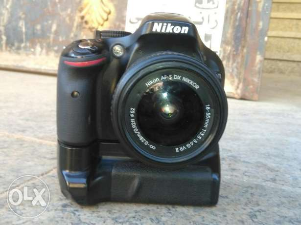Nikon 5200 with 18-55 ..Battery Grip ..