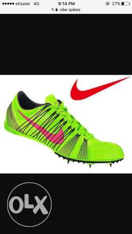 Nike running spikes for middle distance