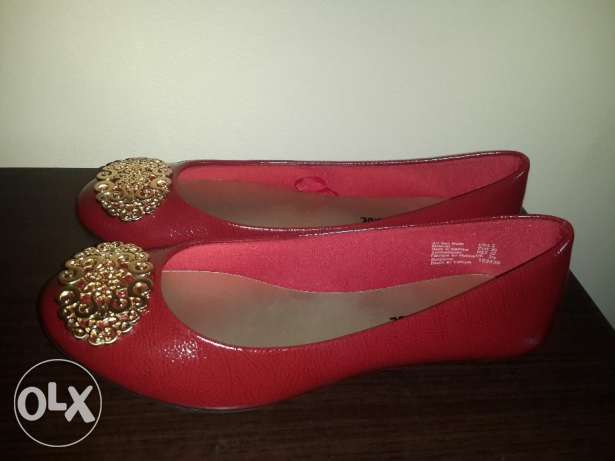 Brand New Red flats