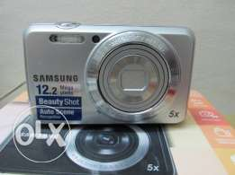 samsung 12.2 mp 5x made by samaung not china like new