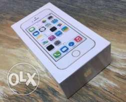 iphone 5s gold 32GB sealed ( متبرشم)