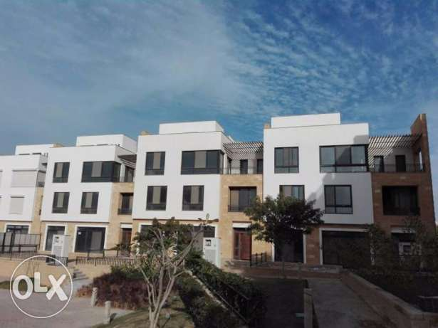 City_Villa For Sale In Westown_Residence
