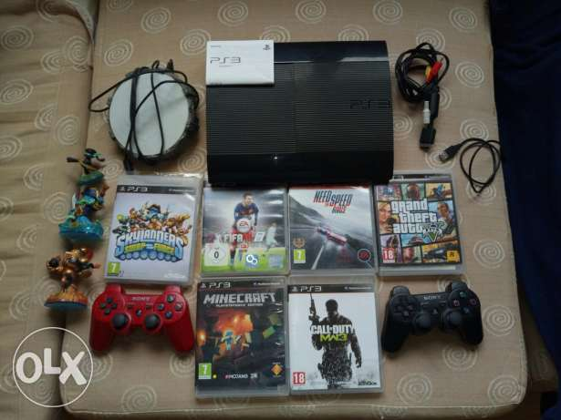 PS3 Slim | 2 Controllers | 6 Games
