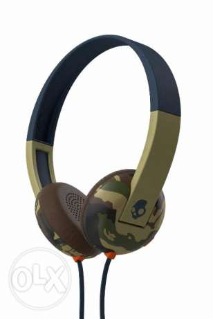 Skullcandy uproar headphones with mic and tap tech SEALED BOX NEW