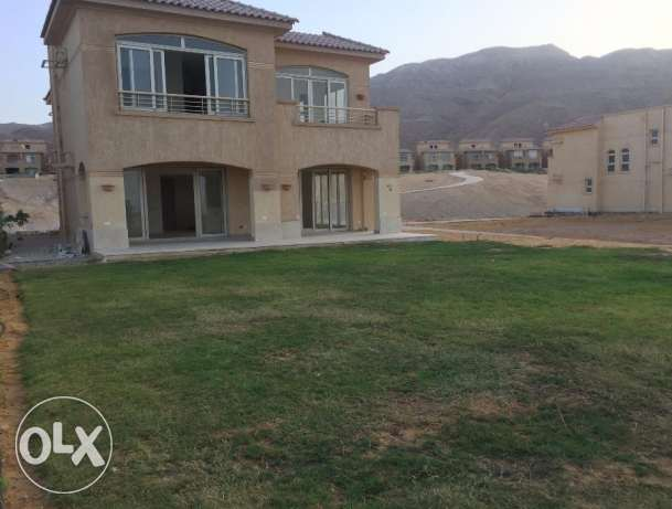 Standalone for sale in Telal EL Sokhna sea view 600 sqm fully finished