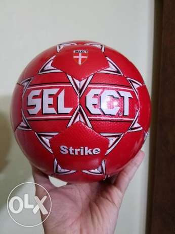 Select new original football size 3