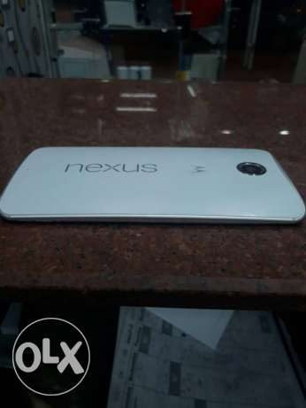Nexus 6 32 G.B white good with no scratches للبدل