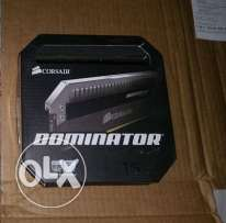 corsair dominator platinum ddr3 2400mhz 16GB